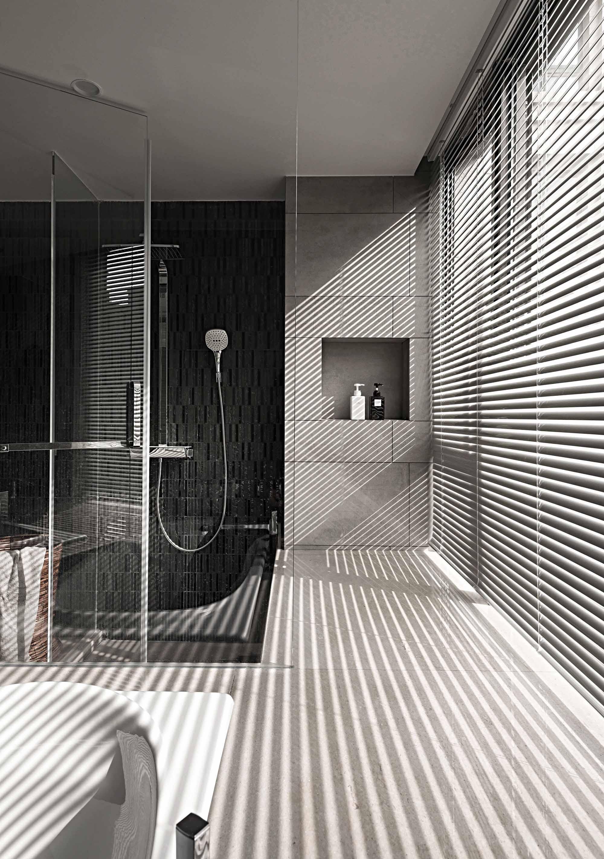 180平简约风格家窗户设计