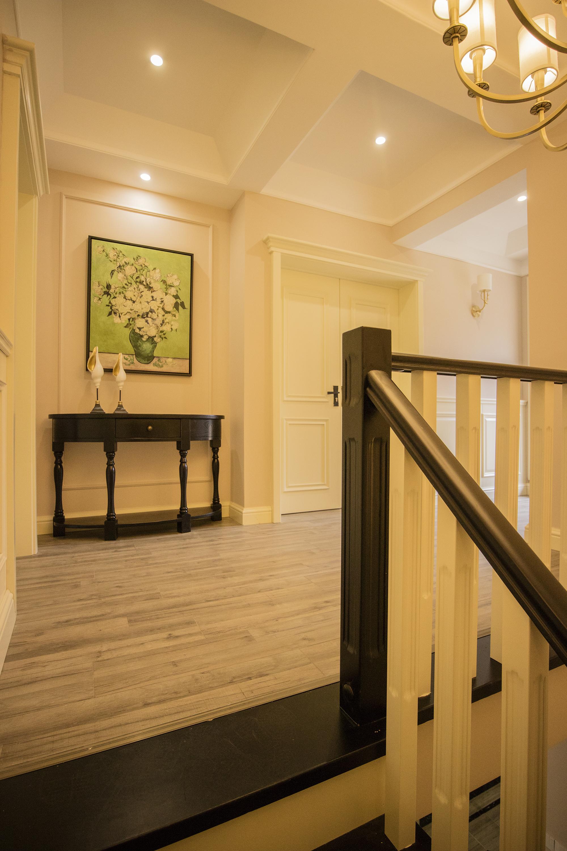 三居室复式装修玄关设计