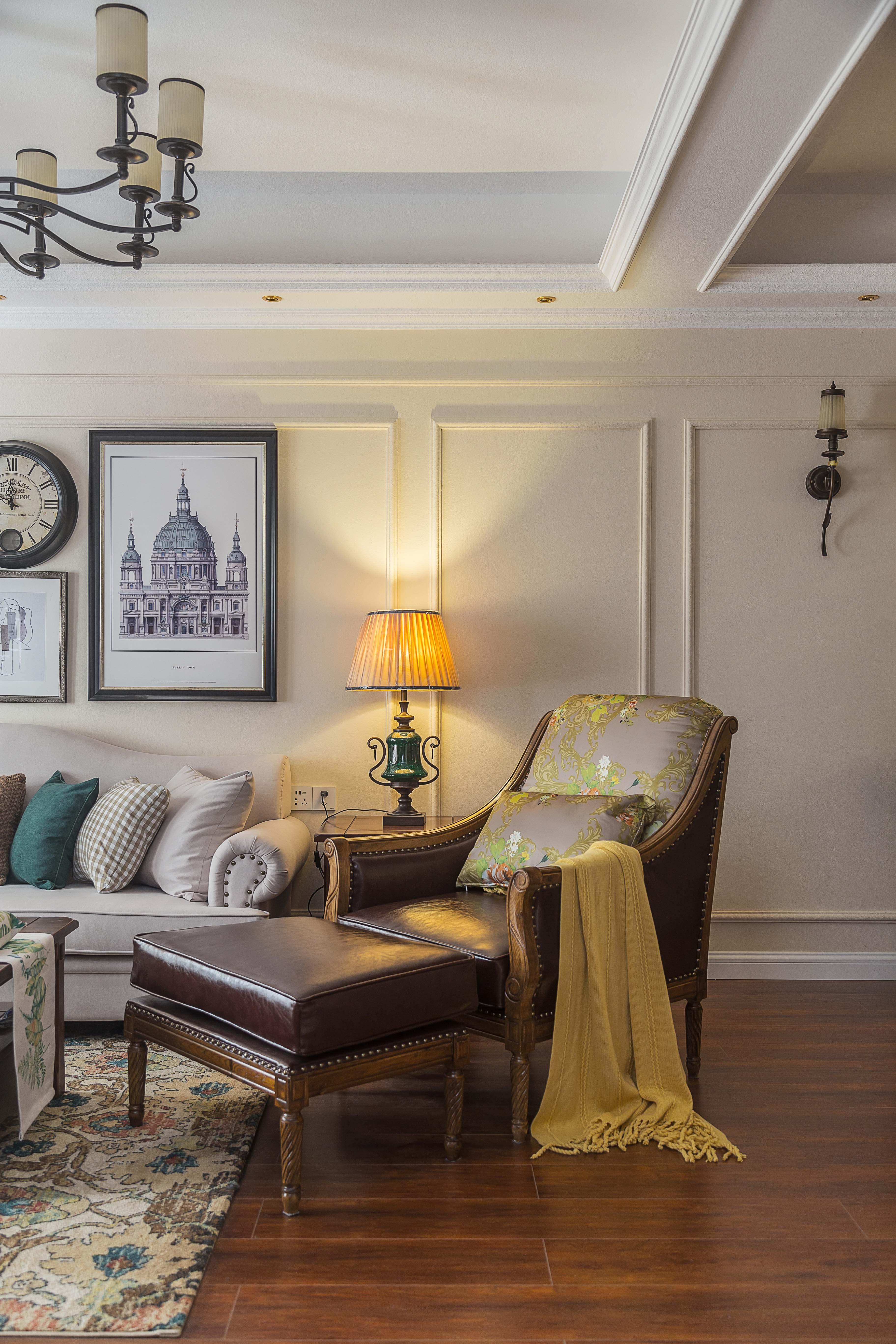 美式三居室装修设计躺椅图片