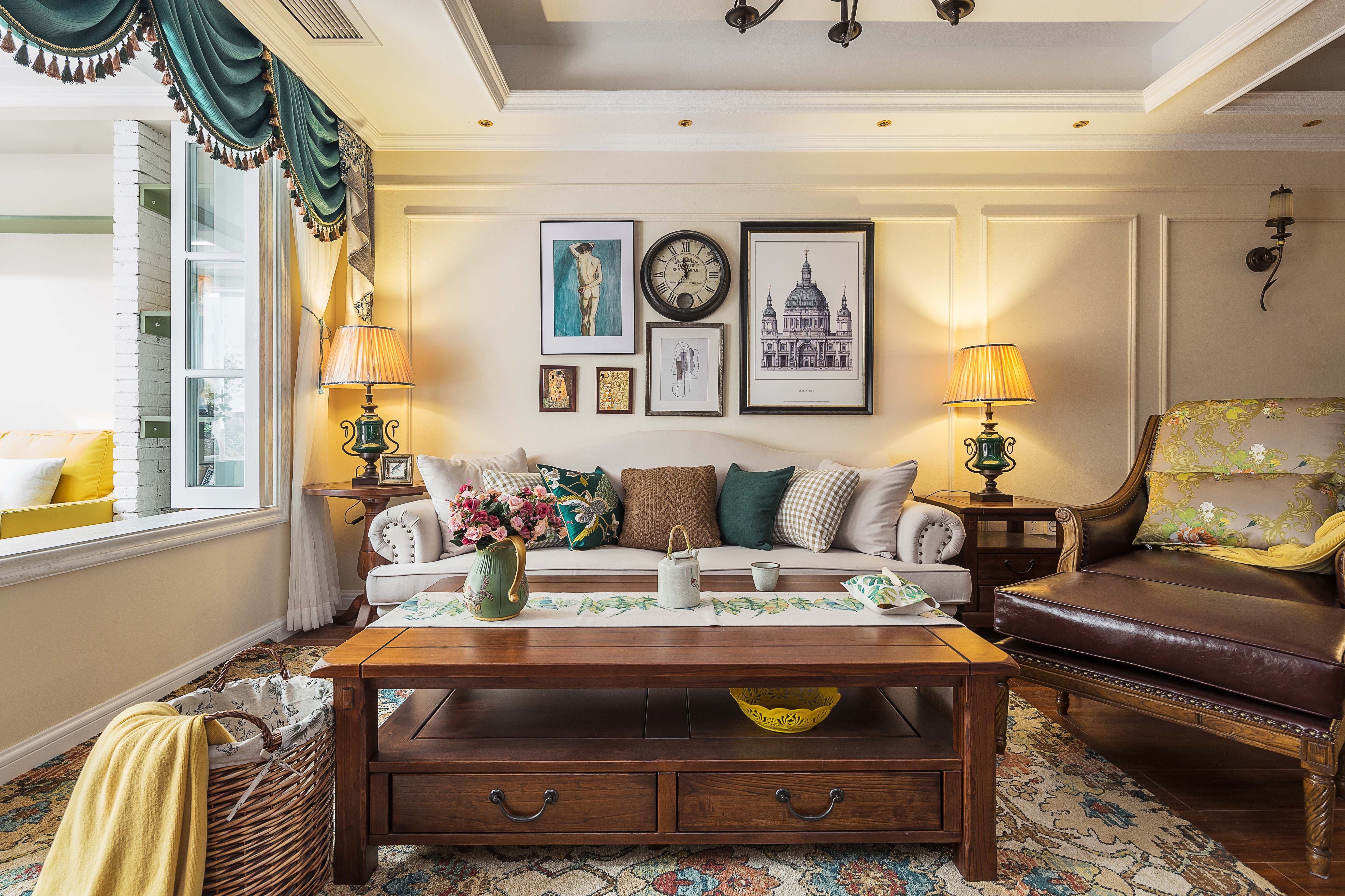 美式三居室装修客厅欣赏图