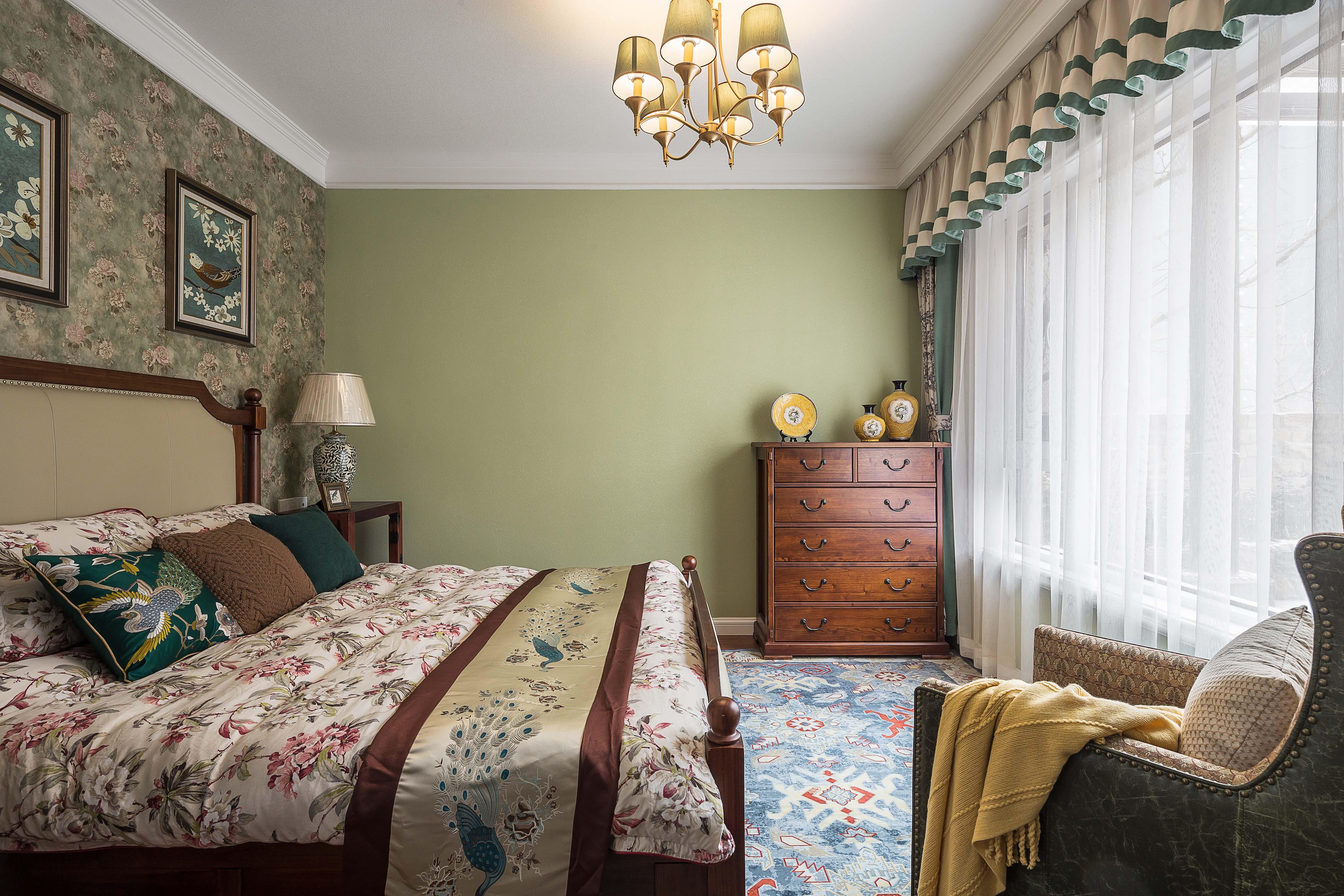 美式三居室装修卧室效果图