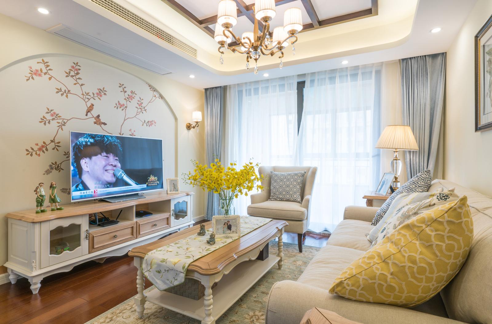 80平田园风格家电视背景墙图片
