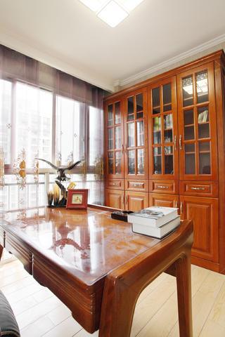 中式二居室装修书房布置图