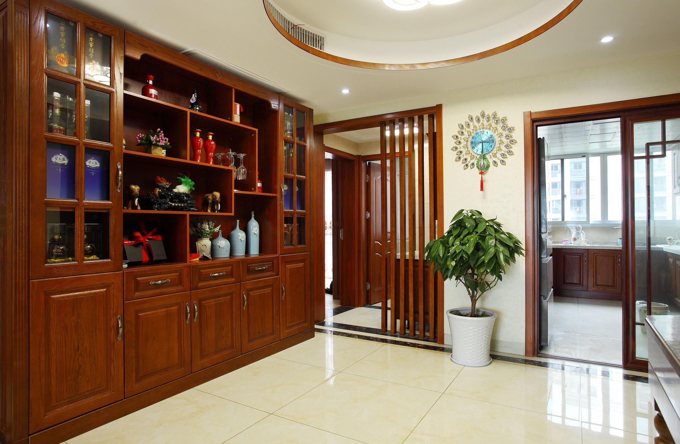 中式二居室装修酒柜图片