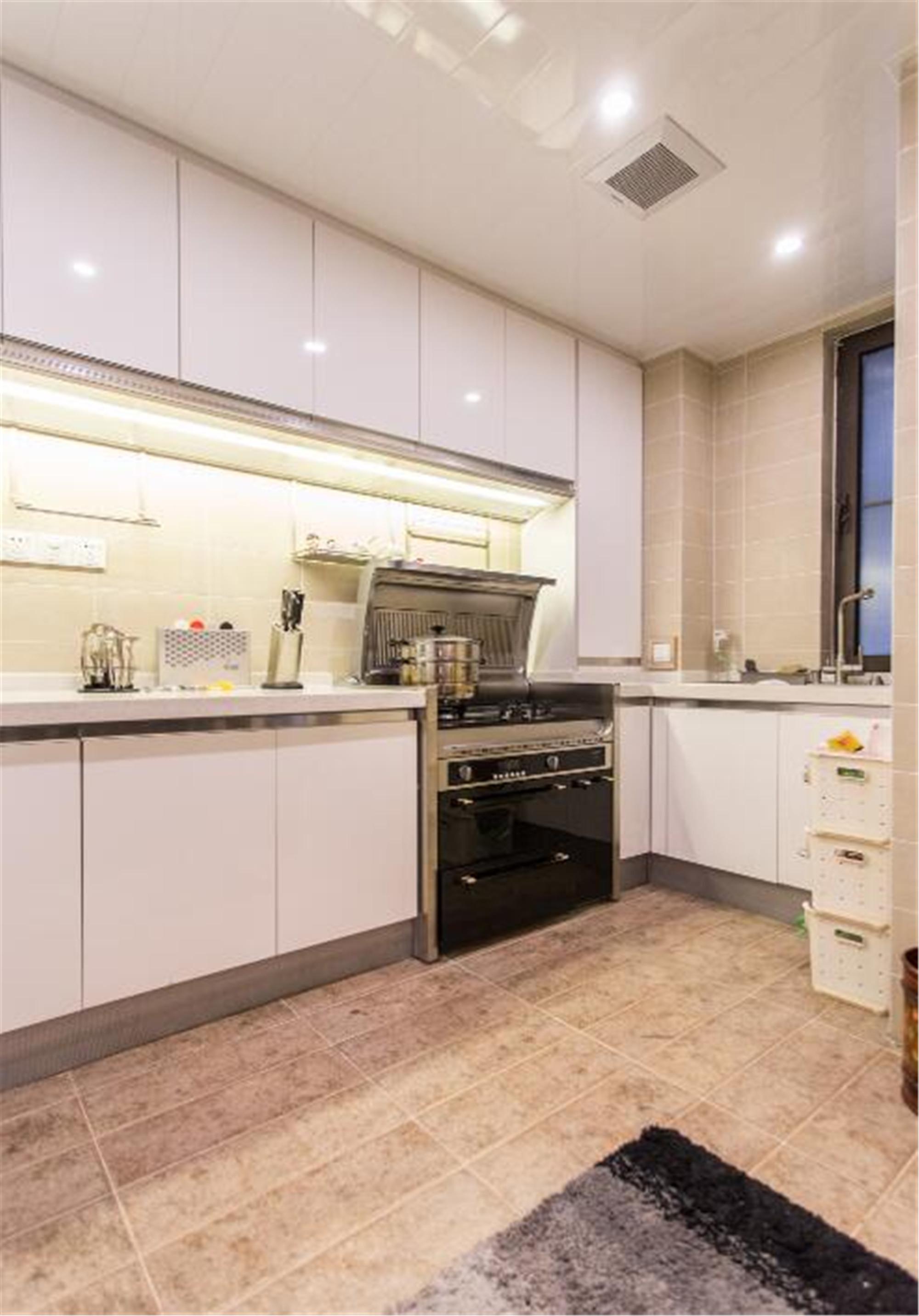 100㎡欧式三居装修厨房效果图