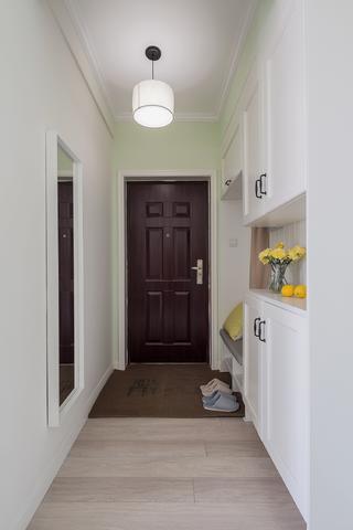 100平美式简约装修门厅设计图