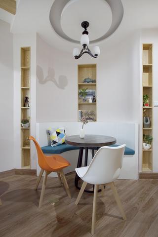 一居室北欧小家木地板地面