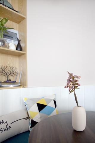 一居室北欧小家花瓶图片