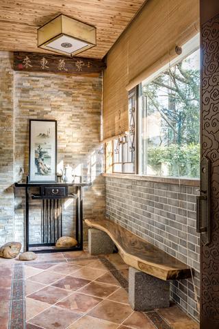 中式三居室设计玄关装饰