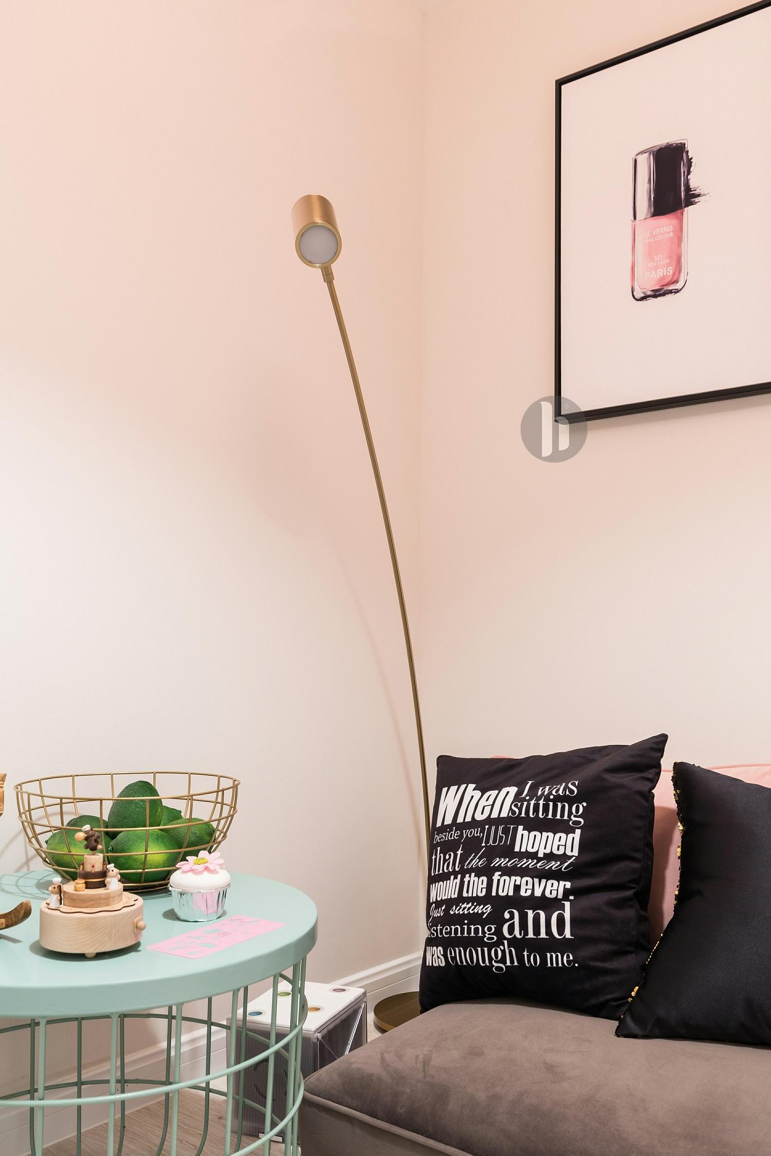二居室公寓装修落地灯图片