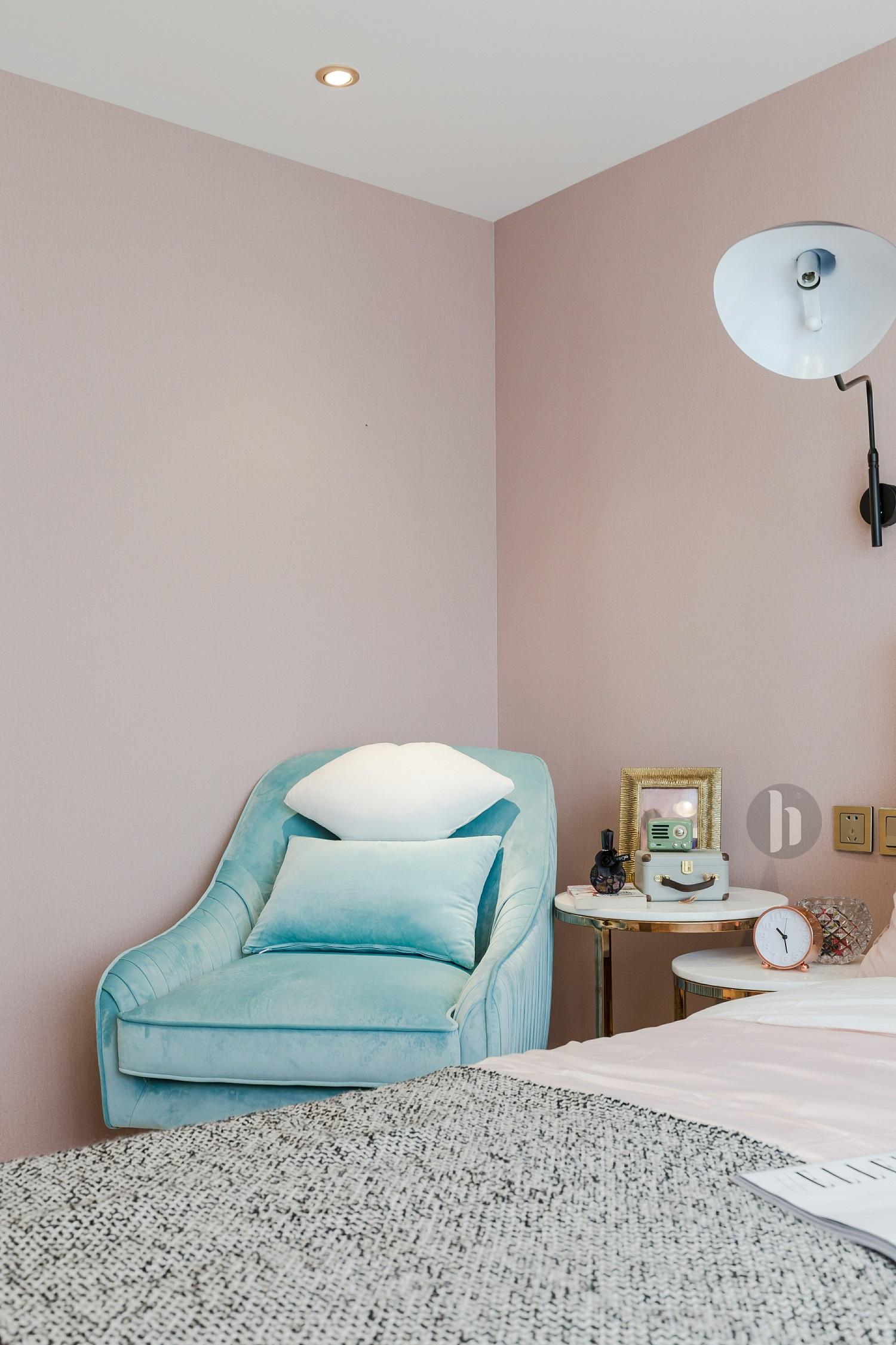 二居室公寓装修沙发图片