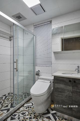 139平现代美式家卫生间装潢图