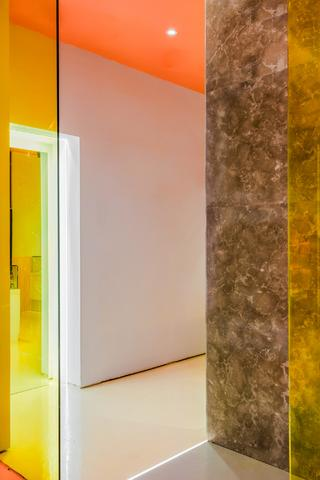 时尚高级商铺装修走廊空间