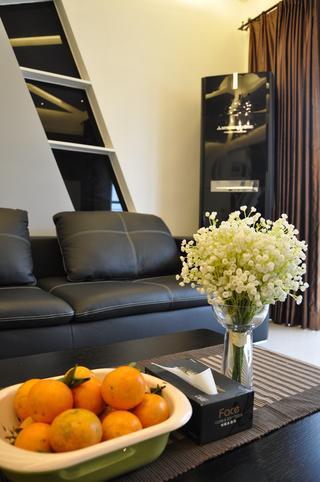 现代简约三居装修沙发图片