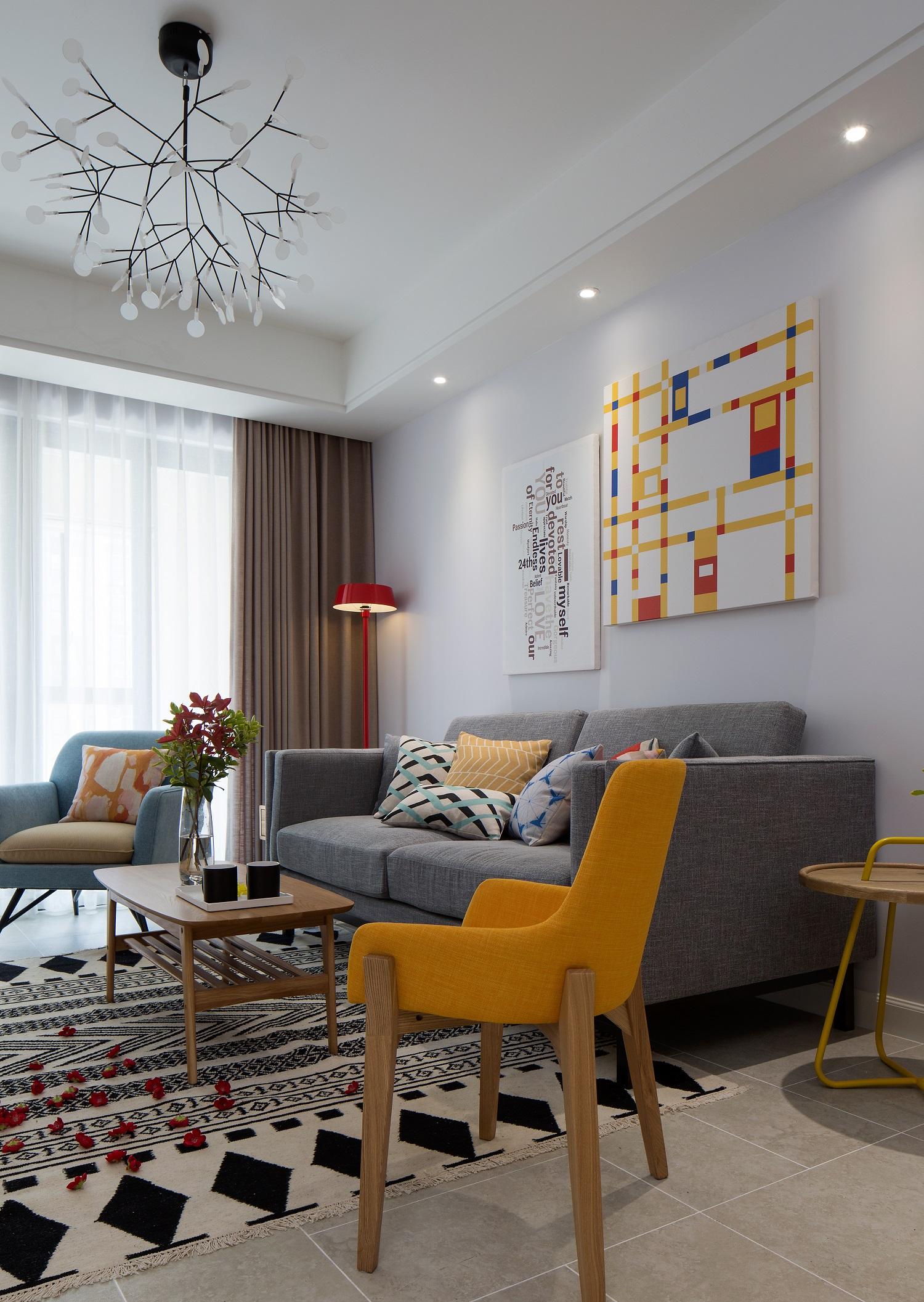 90平简约风格家沙发墙图片