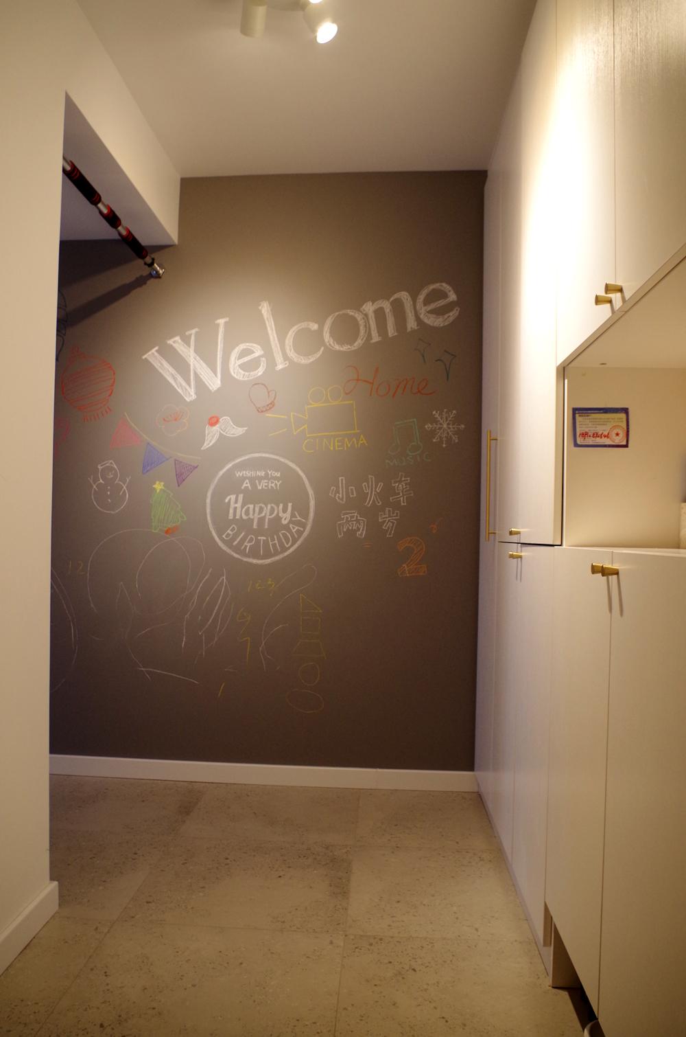 80平二居室装修门厅设计
