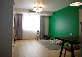 80平二居室装修客厅实景图