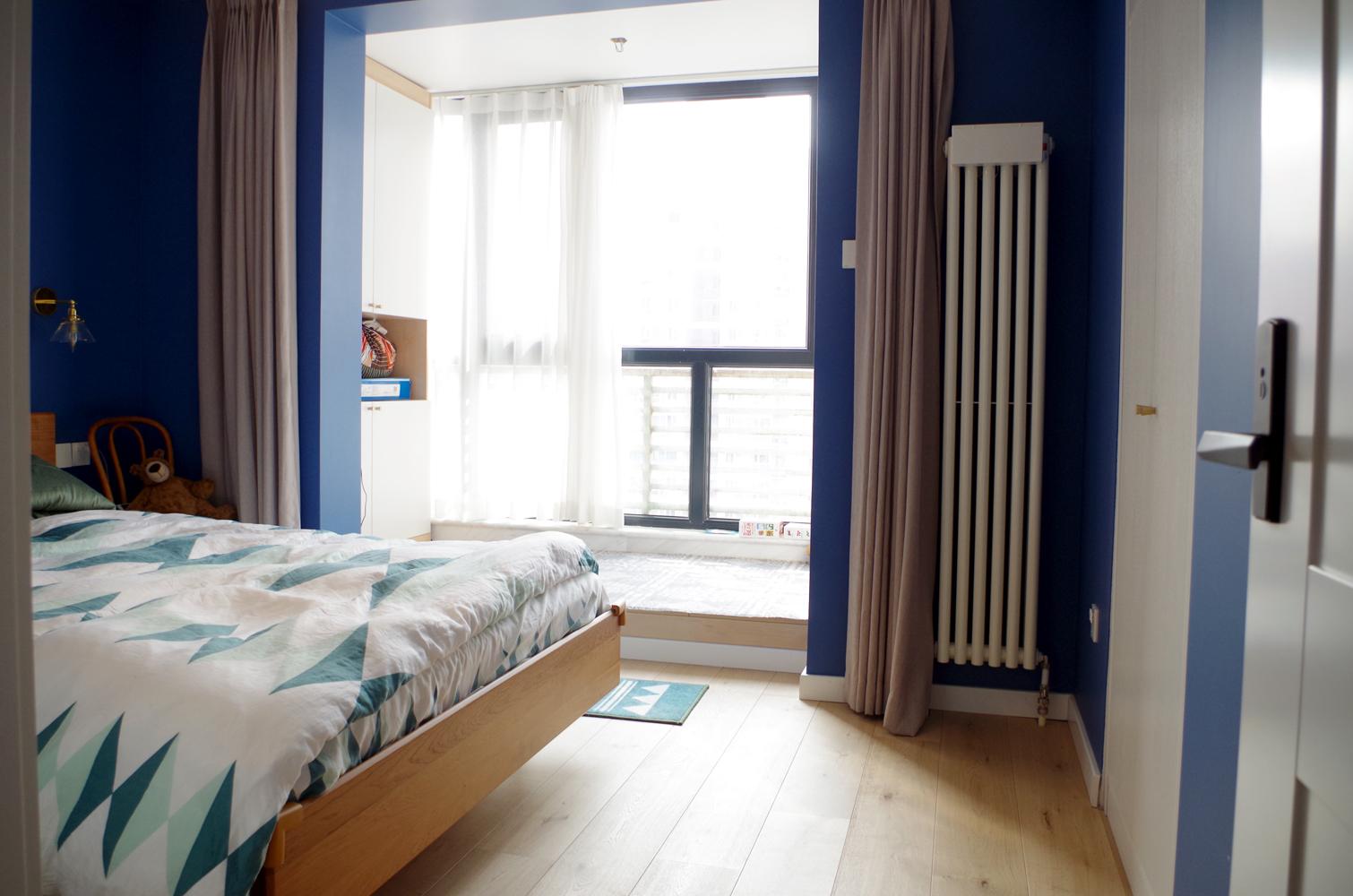 80平二居室装修卧室实景图