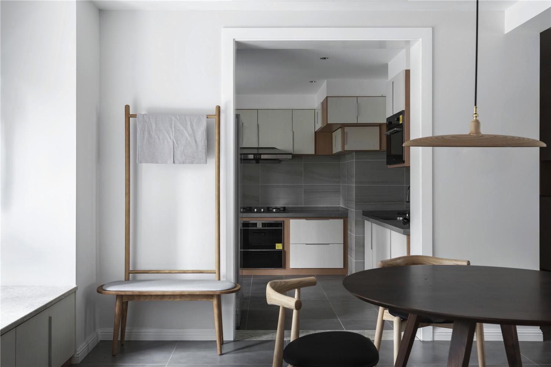 三居室日式风格家边椅图片