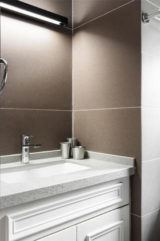 90平简欧风格设计卫生间洗手台图片