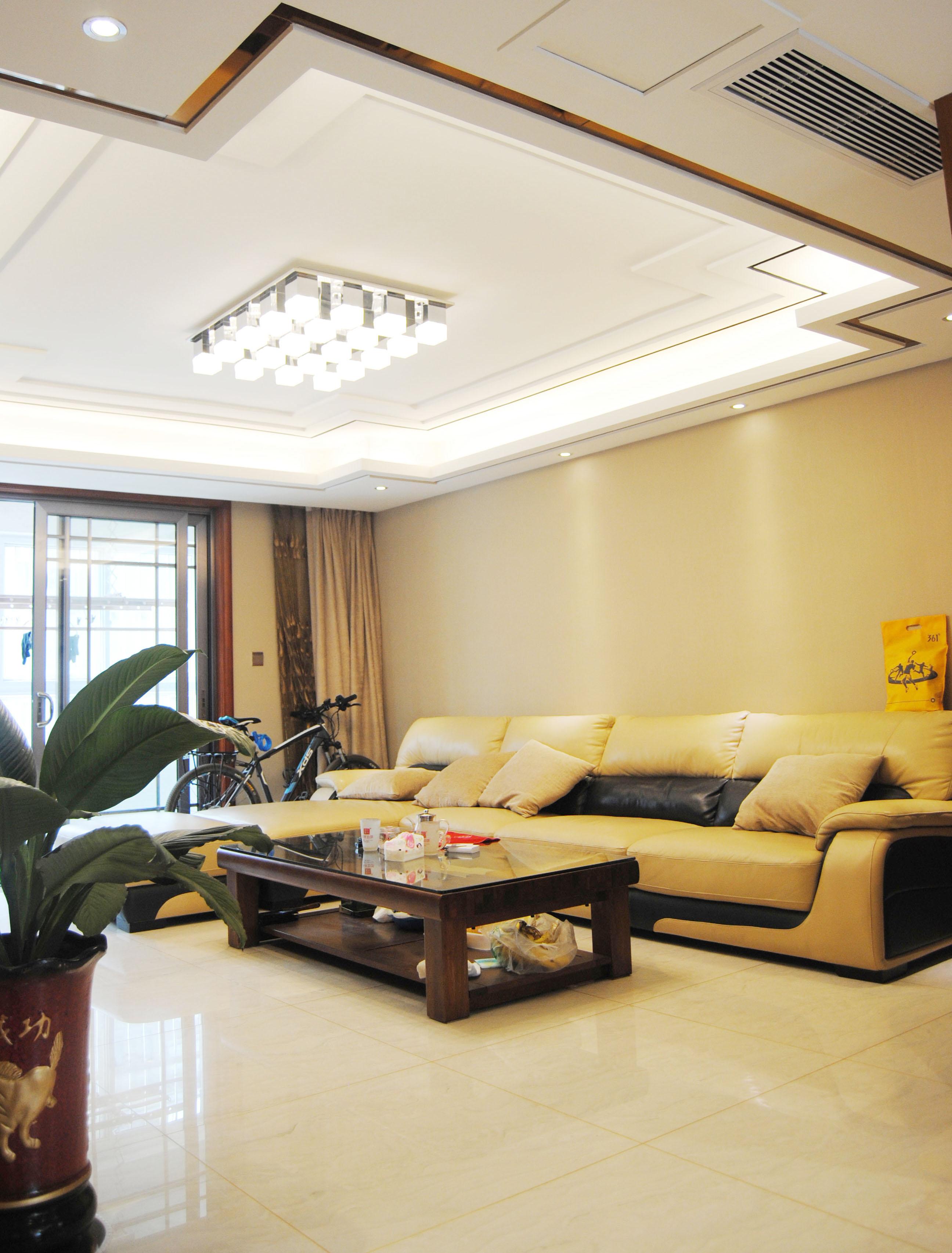 135㎡中式装修客厅效果图