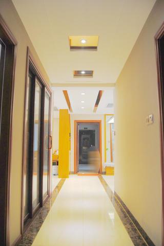 135㎡中式装修走廊图片