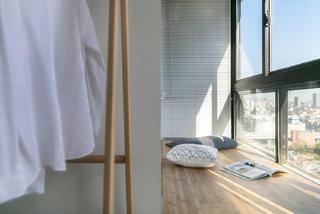 三居室简约之家衣架图片