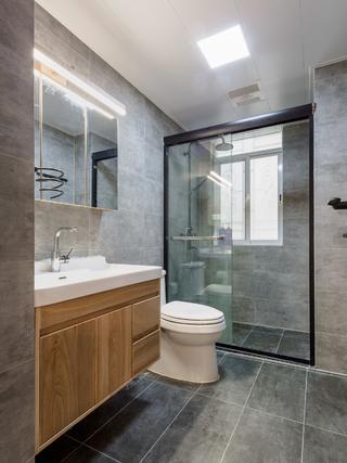 三居室日式风格卫生间设计图