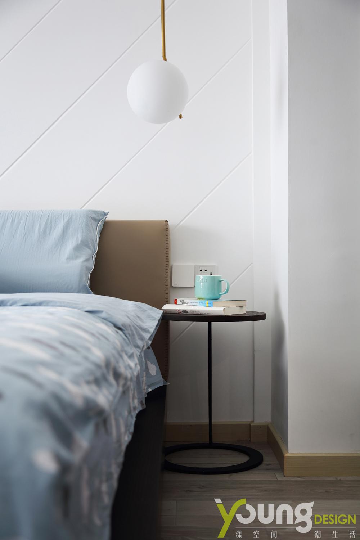 89㎡现代简约风装修床边桌图片