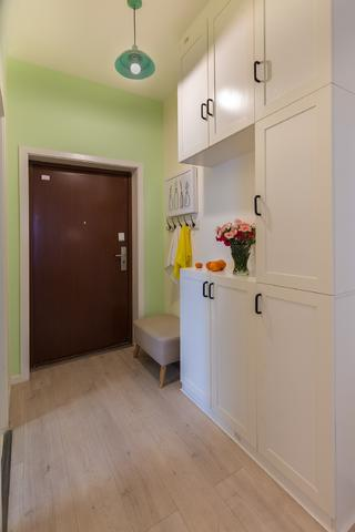 70平米三居室玄关每日首存送20