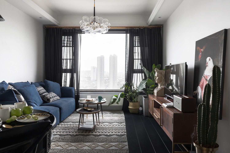 70平黑白调公寓装修客厅效果图