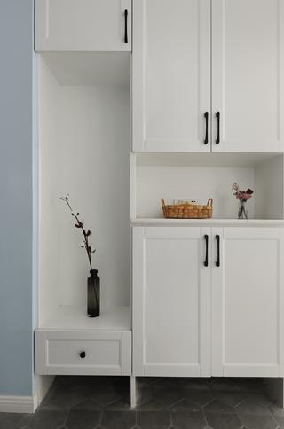 140平北欧风格装修玄关鞋柜设计