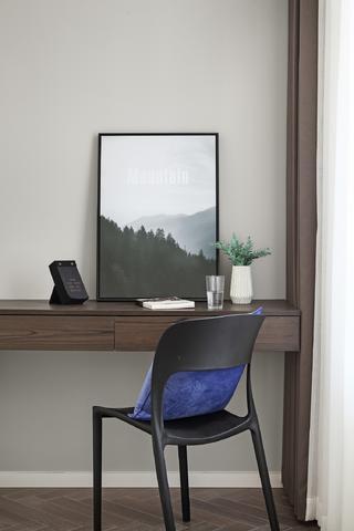 现代简约风格两居装修书桌椅设计