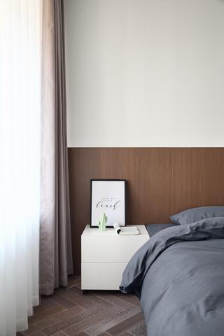 现代简约风格两居装修床头一角