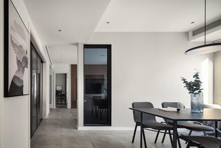 现代简约风格两居装修餐厅过道