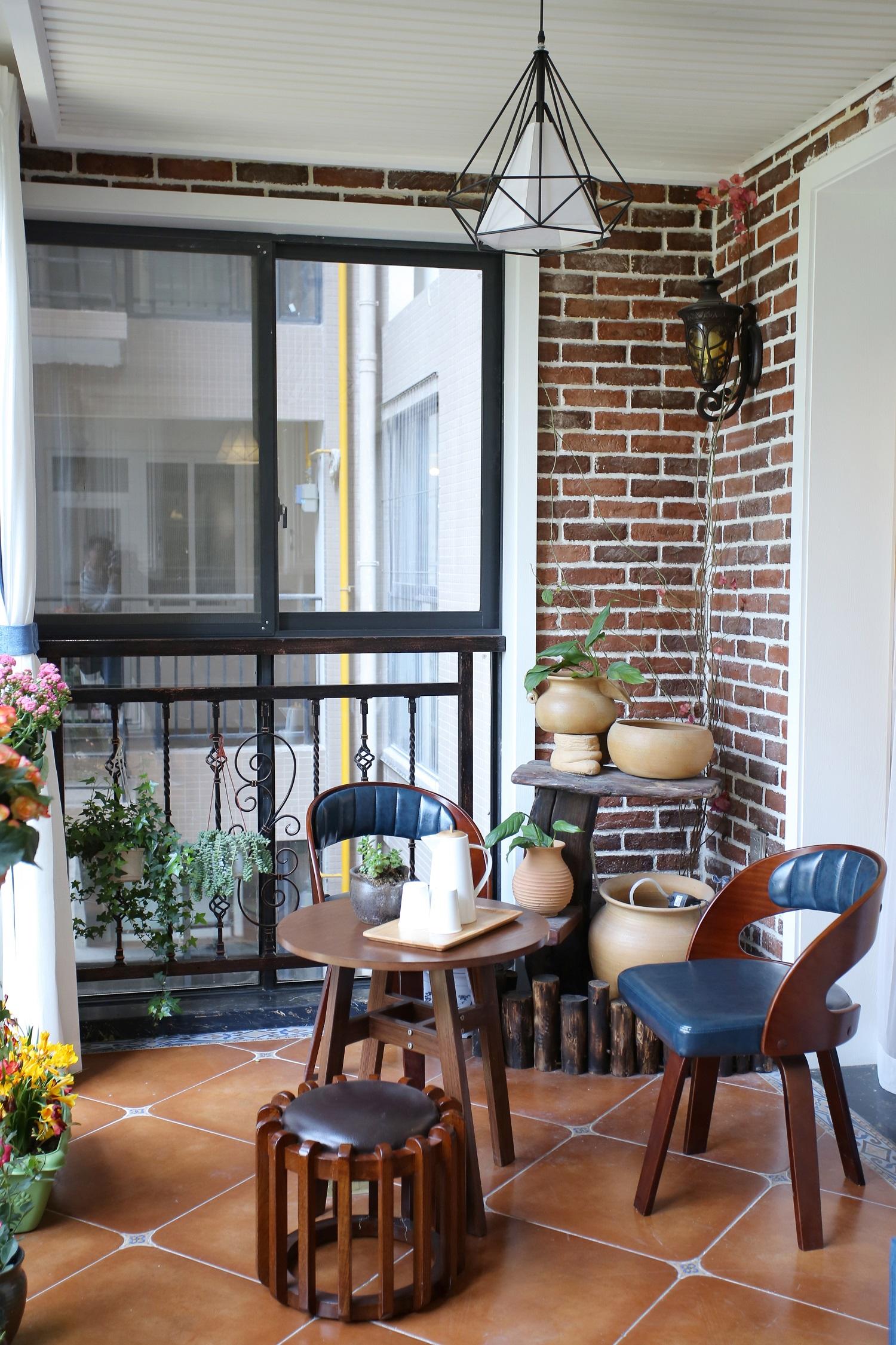 美式风格四居室阳台装修效果图