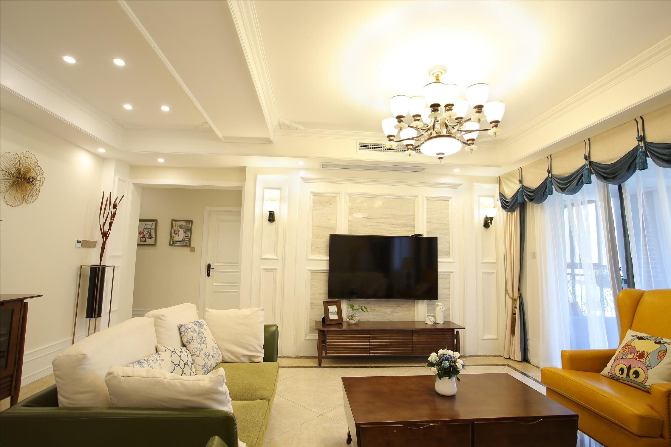 美式风格四居室客厅电视墙装修效果图