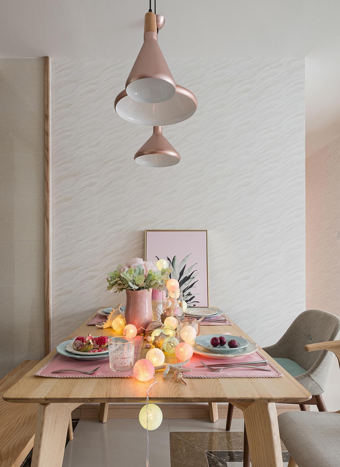 三居室北欧之家餐厅灯具