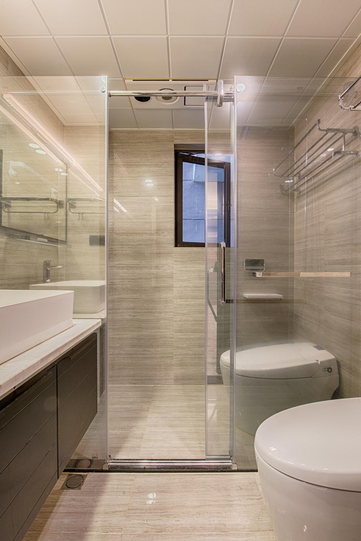 一居室混搭装修卫生间装潢图