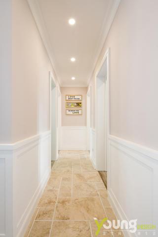 135平美式风格走廊装修效果图