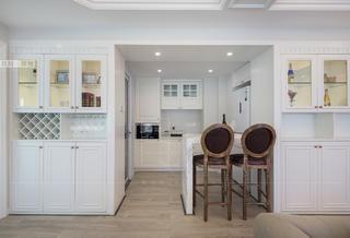 100㎡美式风三居装修西厨吧台设计