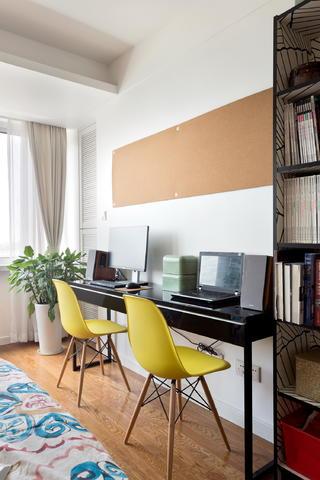 北欧风格二居装修书桌设计