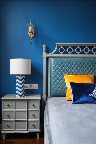 美式风格别墅装修床头特写