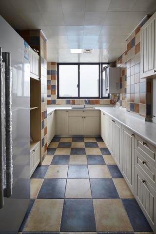美式古典四居厨房装修效果图