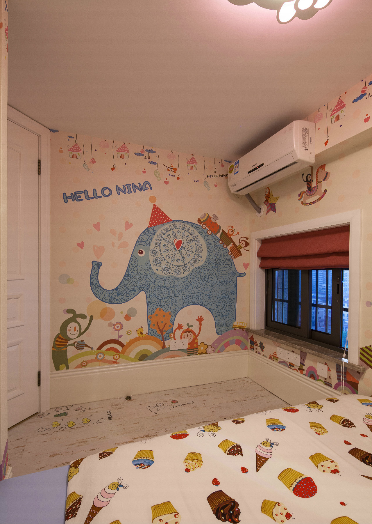 60平米LOFT装修儿童房壁纸设计