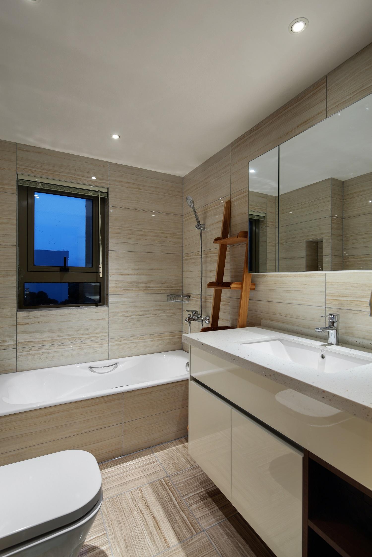 现代简约三居卫生间装修效果图