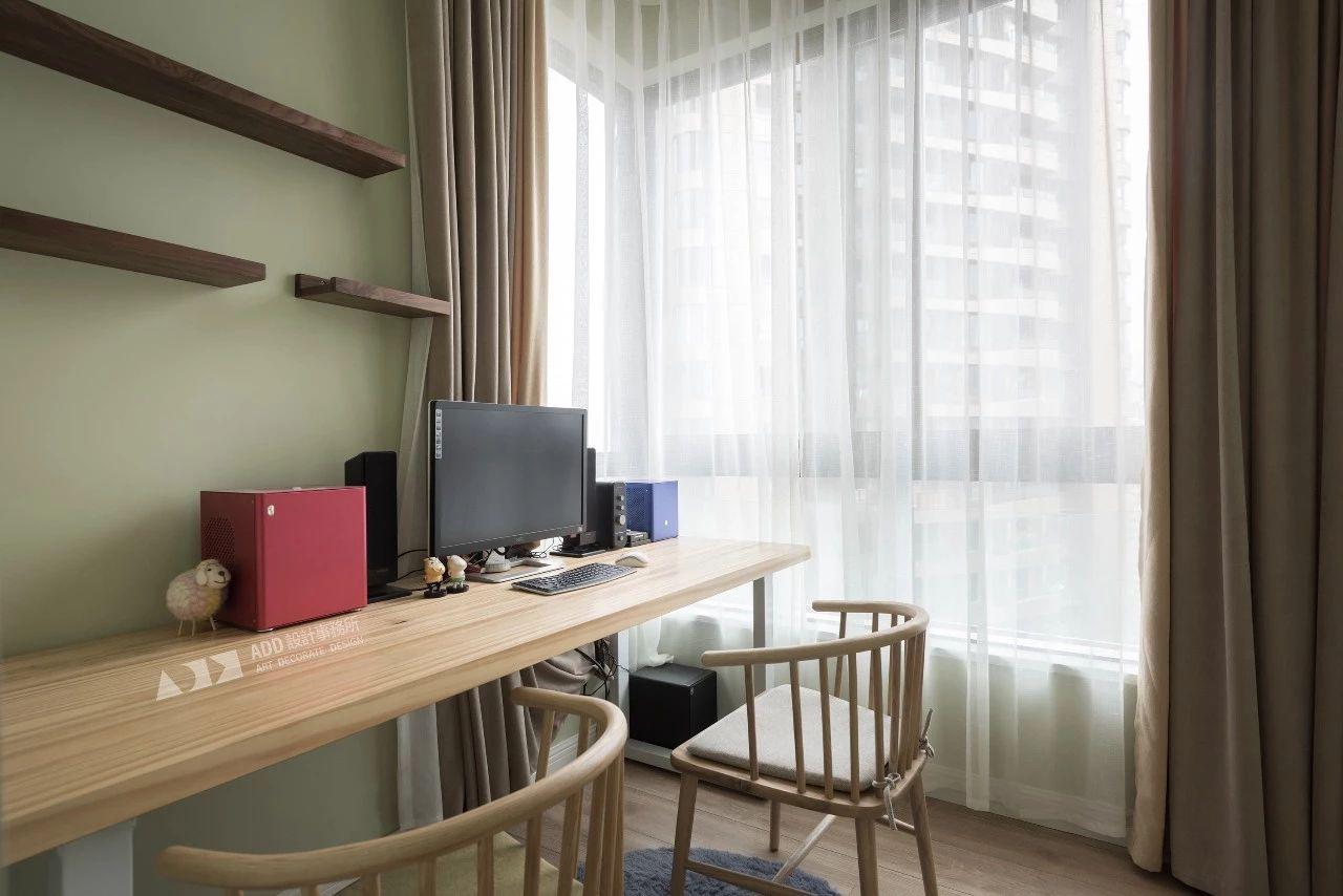 现代北欧两居阳台书房装修效果图