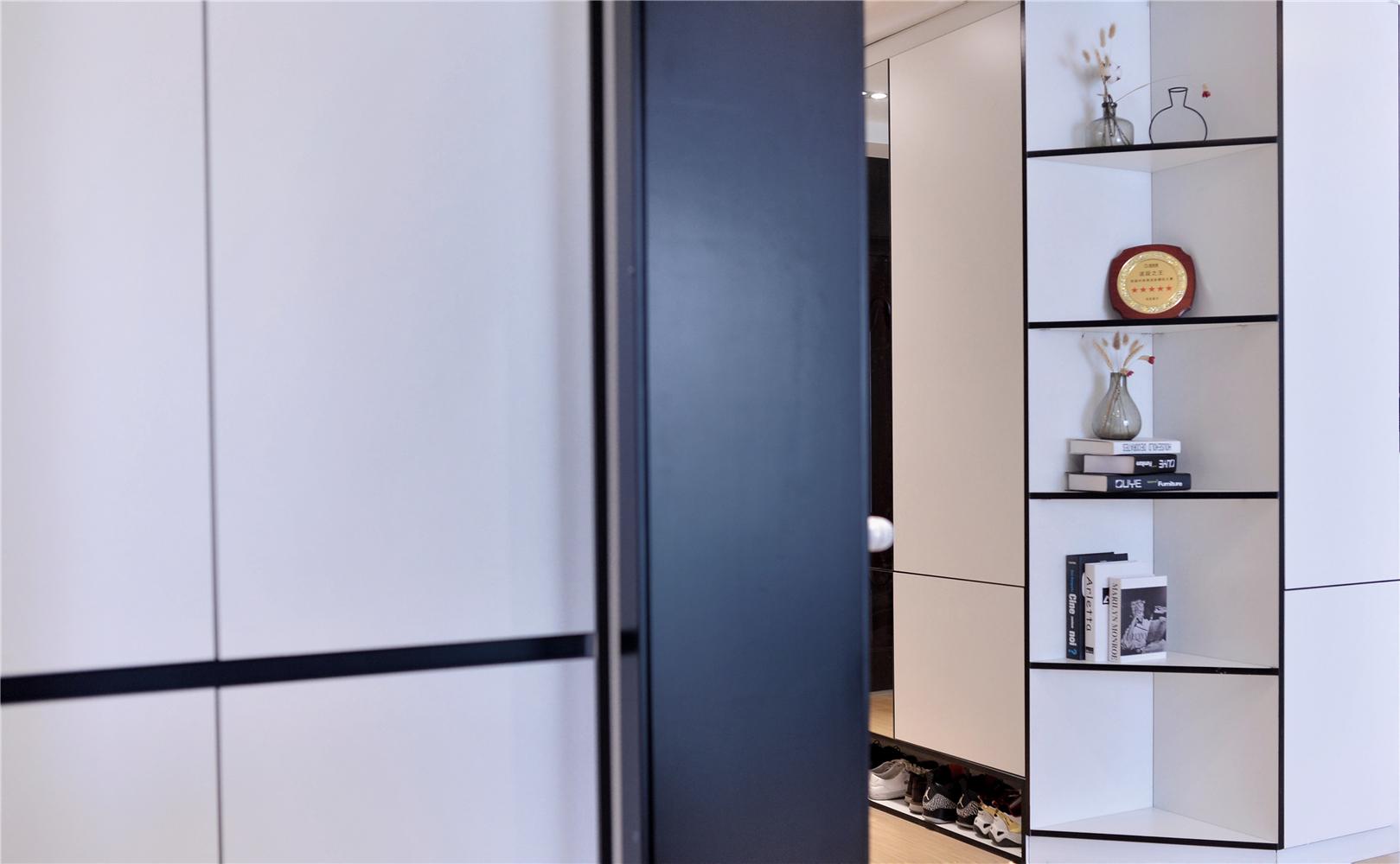100㎡现代简约装修展示柜设计