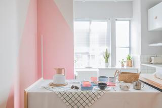 小户型北欧风装修餐桌布置图