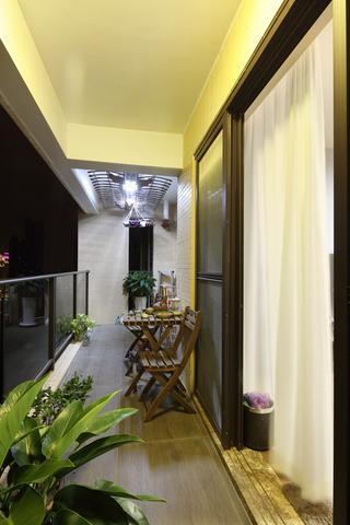 160平米三居室阳台装修效果图